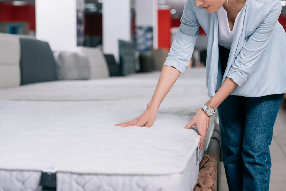 what to look for when shopping for a mattress